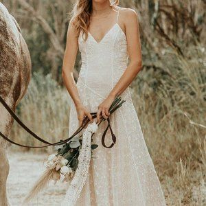 Spell & Gypsy Collective Bride BNWT The Lucette Gown Off White Size M RRP $1200